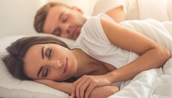 Mal di schiena, sonno disturbato?