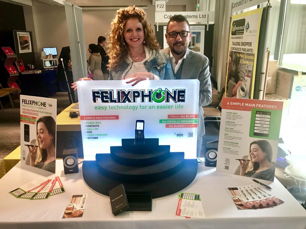 Daria Migliorini e Umberto Feliciotti di Sirio presentano Felixphone alla Sightcity  di Francoforte