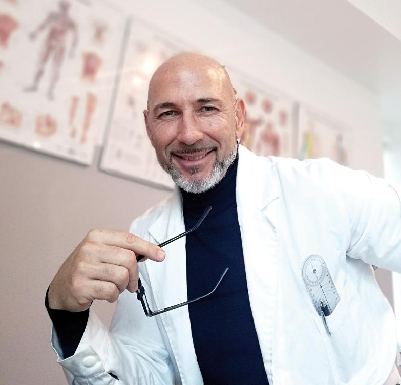DOTT. MASSIMILIANO MANNI Dottore in Fisioterapia - Osteopata D.O. e Posturologo iscritto albo fisionterapisti di Latina N° 590 R.O.I. N° 2357