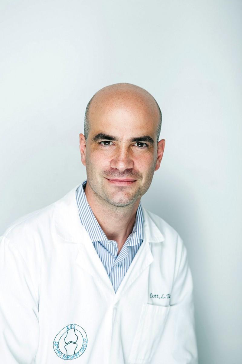 Dottor Luca Tafuro Medico Chirurgo, specialista in Ortopedia e Traumatologia